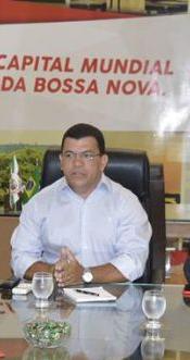 paulo-bomfim-e-sindicatos-696x385