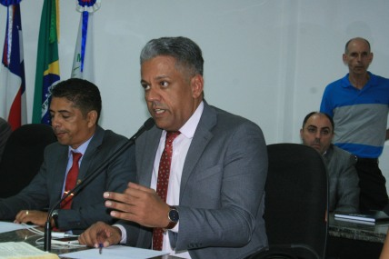 Presidente Alex Tanuri elogiado por sua atua+º+úo +á frente da C+ómara