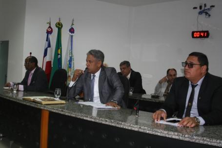 Presidente Alex coloca em votação projetos do Executivo