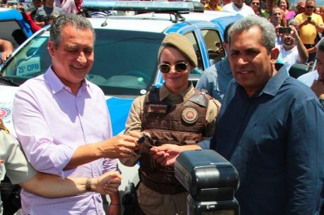 Governador entrega viatura ao Prefeito Wilker Torres
