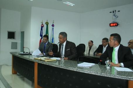 Presidente coloca em votação proejtos do Executivo na sessão destas segunda-feira